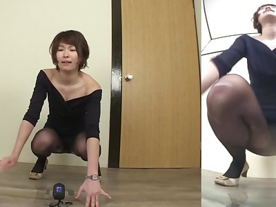 Asian woman fails to hold in pee Subtitled