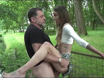Old man xxx fucking young woman fucks her pussy and facehole