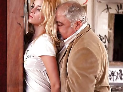 Cum in me, please 2 - Victoria Guerra in Catarina and the others (2011)