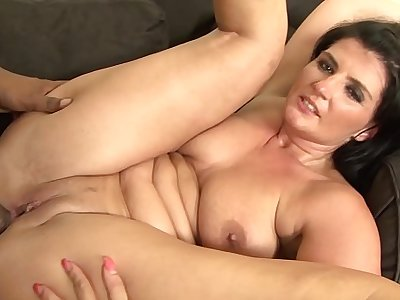 Mature with big donk hardcore fucked by big black cock in interracial sex